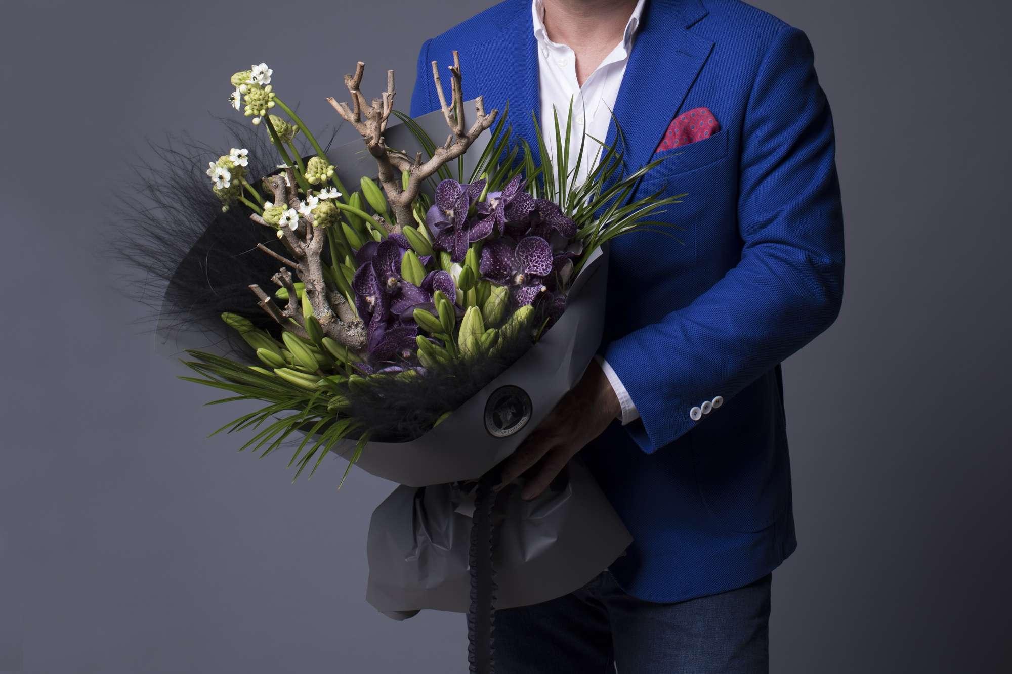российская торгово-производственная цветы для мужчины на день рождения фото правой миндалиной, ближе